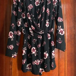 H&M Dresses - Long sleeve floral jumper